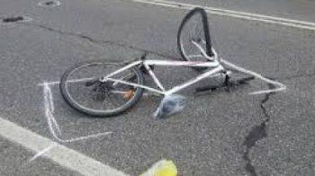 ciclista urtato