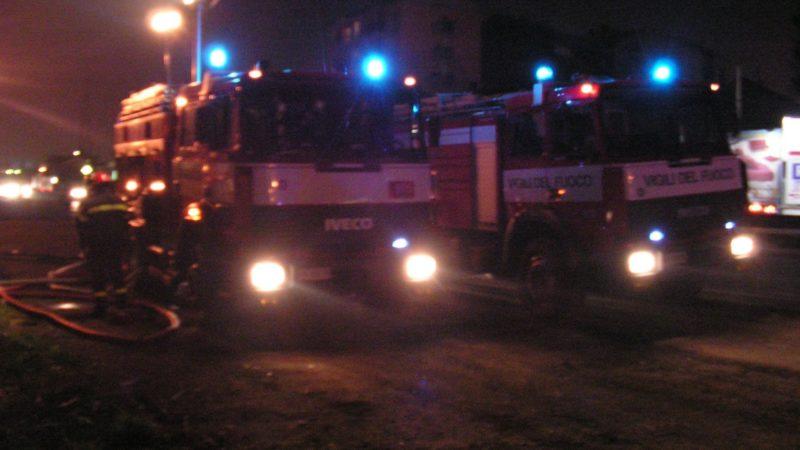 Tetto in fiamme a Cossila