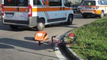 ciclista si schianta