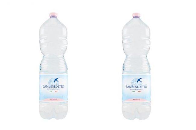 Cattivo odore: acqua San Benedetto ritira bottiglie nel formato da 2 litri