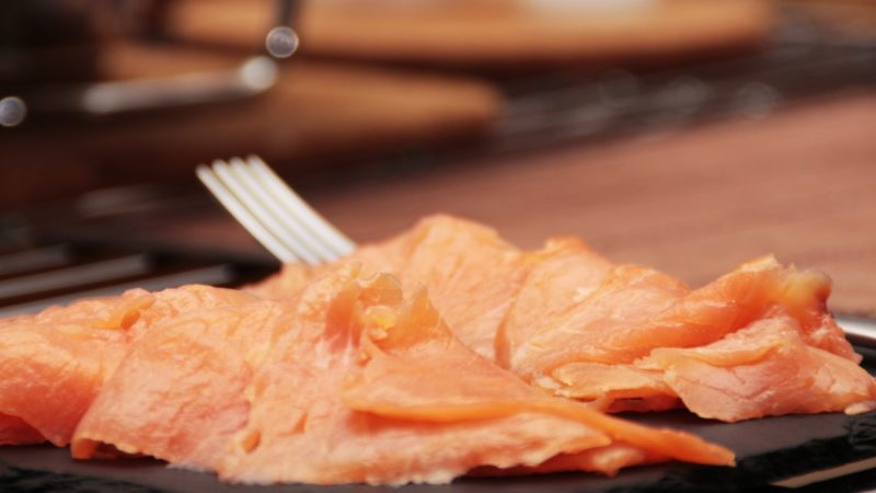 Salmone norvegese affumicato a rischio listeriosi: richiamato lotto dal ministero
