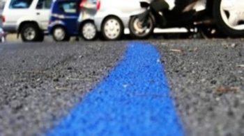 strisce blu
